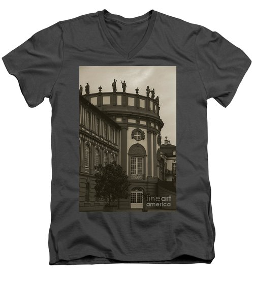 Schlosspark Biebrich Men's V-Neck T-Shirt