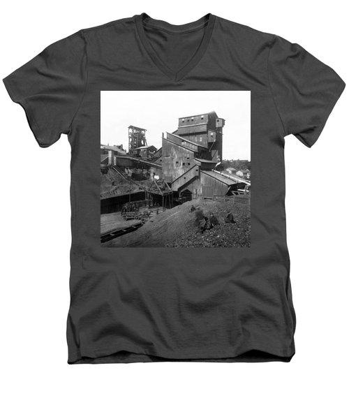 Scranton Pennsylvania Coal Mining - C 1905 Men's V-Neck T-Shirt