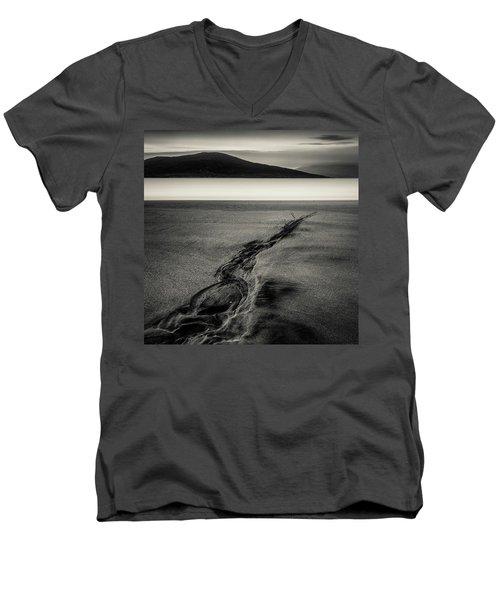 Seilebost Sand Tracks Men's V-Neck T-Shirt