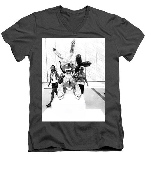 Self Portrait In Jeff Koons Mylar Rabbit Balloon Sculpture Men's V-Neck T-Shirt