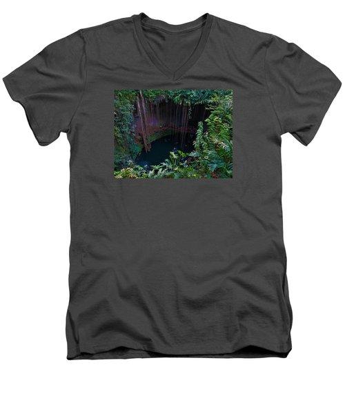 Senote Men's V-Neck T-Shirt
