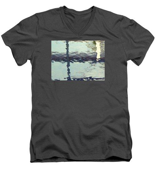 Sensing The Water Men's V-Neck T-Shirt
