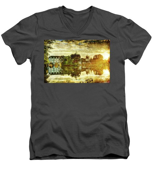 September Sunset In Chenonceau - Vintage Version Men's V-Neck T-Shirt