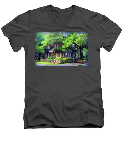 Seville Wooden House Men's V-Neck T-Shirt