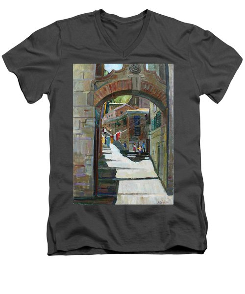 Shadows The Old Town Men's V-Neck T-Shirt