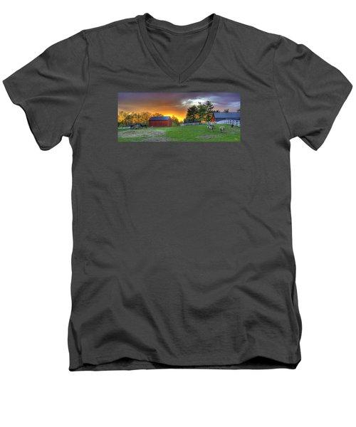 Shaker Animals At Sunset Men's V-Neck T-Shirt