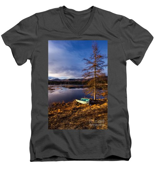 Shaw Pond Sunrise Men's V-Neck T-Shirt