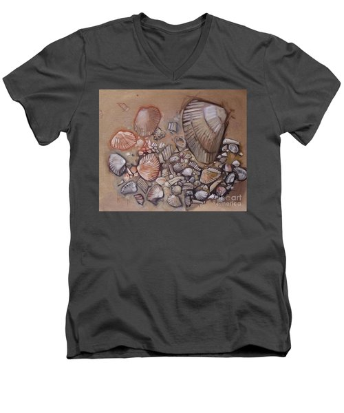 Shell Collection Beach Seashell Tan Clam Sand Men's V-Neck T-Shirt