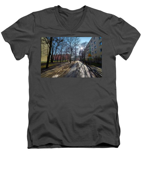 Shift Men's V-Neck T-Shirt