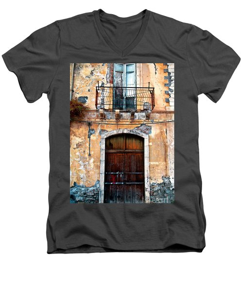 Sicilian Facade Men's V-Neck T-Shirt
