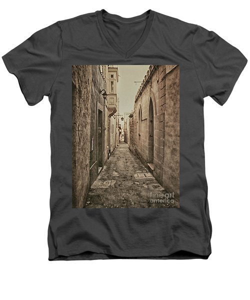 Side Street Malta Men's V-Neck T-Shirt