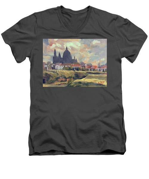 Silhouet Saint Lambertus Church Maastricht Men's V-Neck T-Shirt