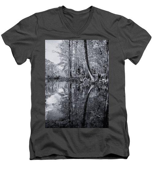 Silver River Men's V-Neck T-Shirt