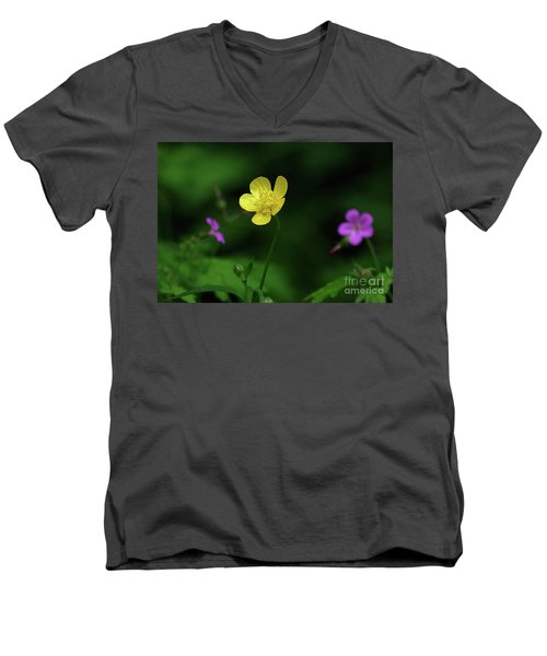 Single Buttercup Two Stinky Bob Men's V-Neck T-Shirt