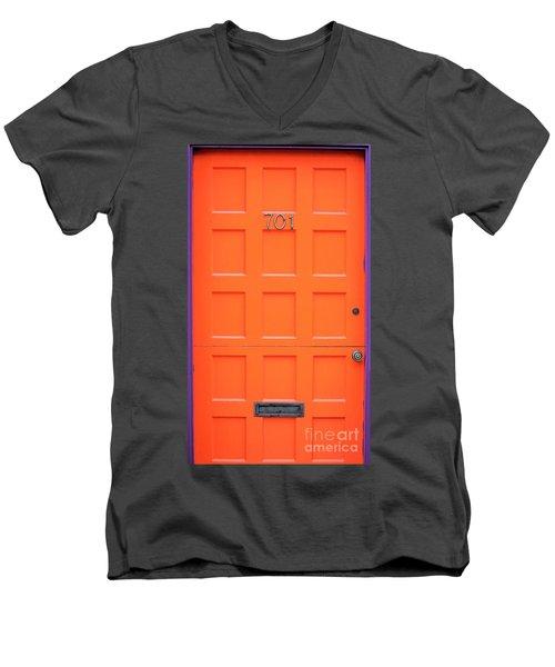 Single Door Men's V-Neck T-Shirt