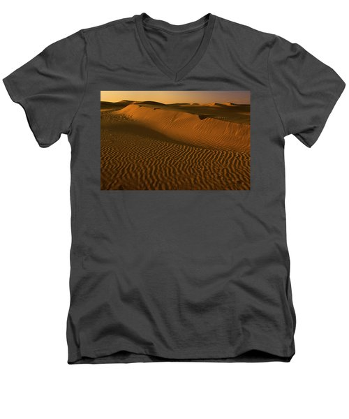 Skn 1127 The Golden Dunes Men's V-Neck T-Shirt