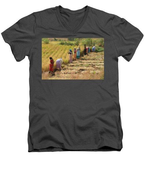 Skn 2611 Joint Effort Color Men's V-Neck T-Shirt