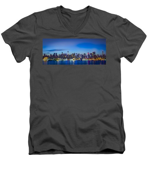 Skyline Nyc Before Sunrise Men's V-Neck T-Shirt