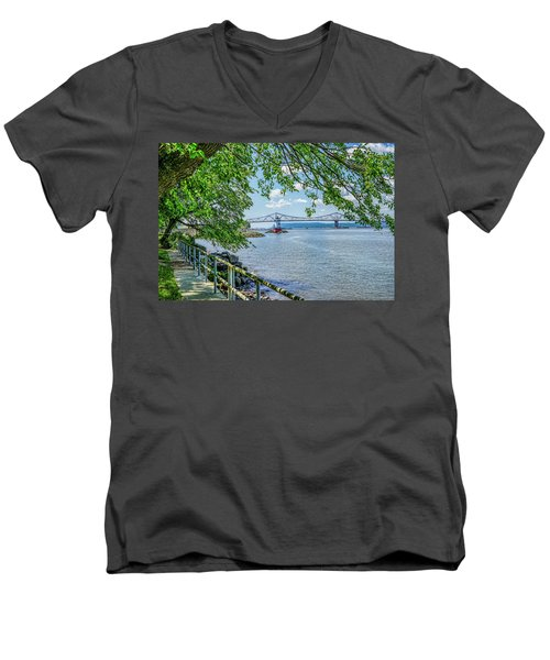 Sleepy Hollow/tarrytown Lighthouse Men's V-Neck T-Shirt