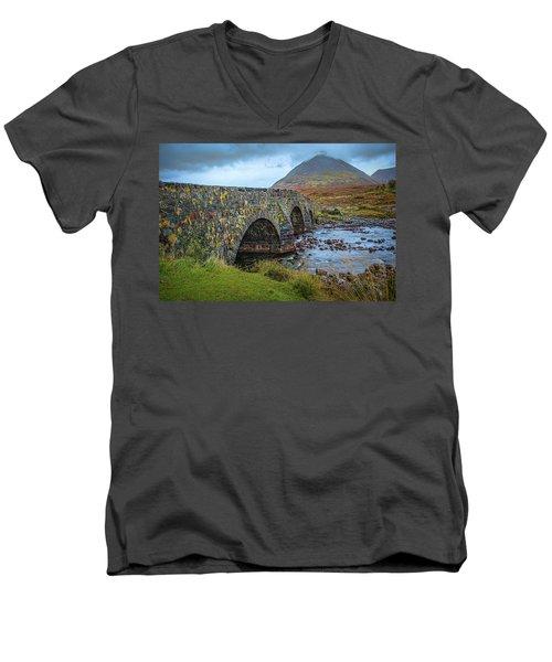 Sligachan Bridge View #h4 Men's V-Neck T-Shirt
