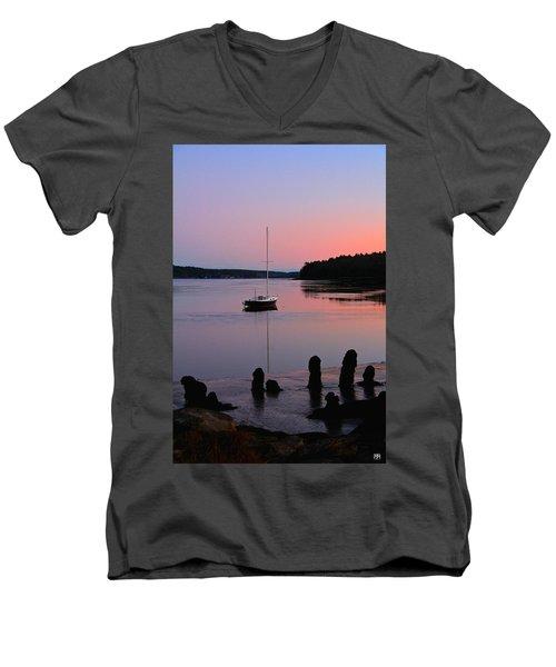Sloop Sunset Men's V-Neck T-Shirt