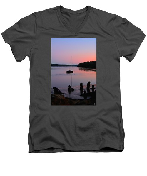 Sloop Sunset Men's V-Neck T-Shirt