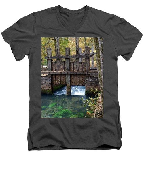 Sluce Gate Men's V-Neck T-Shirt