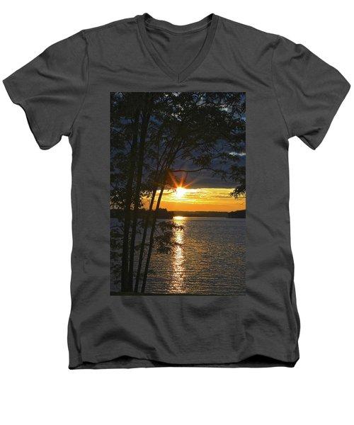 Smith Mountain Lake Summer Sunet Men's V-Neck T-Shirt