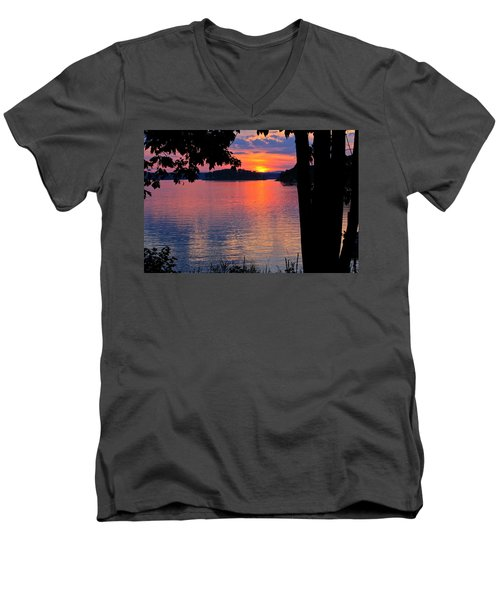 Smith Mountain Lake Sunset Men's V-Neck T-Shirt