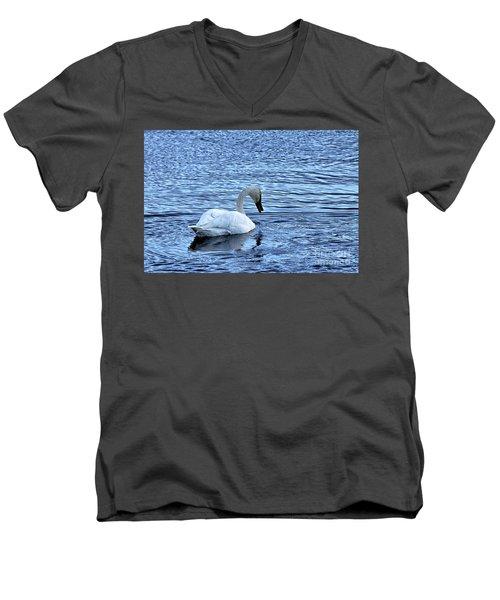 Snow Goose Men's V-Neck T-Shirt