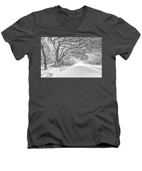 Snow On Witsell Rd - Oak Tree Men's V-Neck T-Shirt