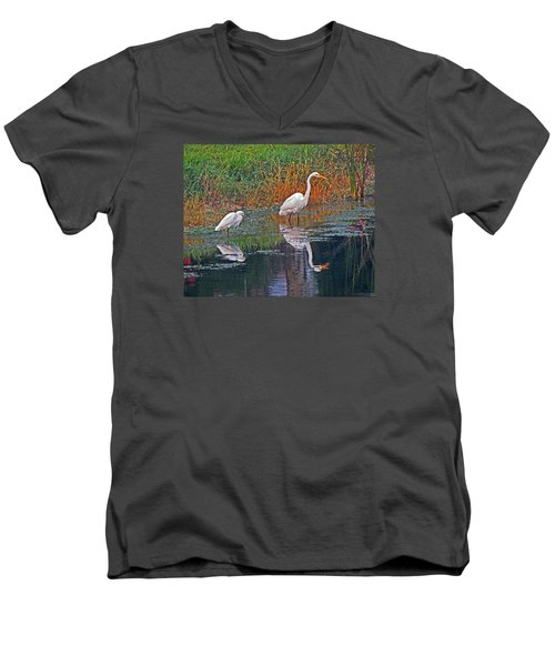 Snowy And Great Men's V-Neck T-Shirt