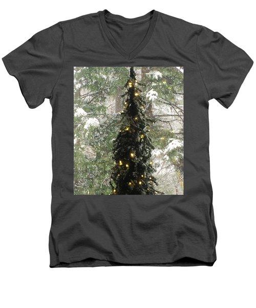 Snowy Christmas Men's V-Neck T-Shirt