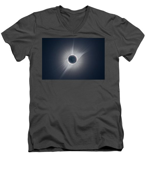 Solar Corona During The Eclipse Of August 21 2017 Men's V-Neck T-Shirt