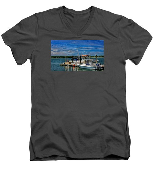 Sorting The Catch Men's V-Neck T-Shirt