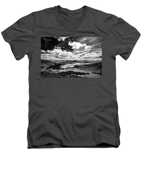 South Lipez Men's V-Neck T-Shirt