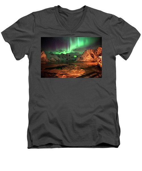 Spectacular Night In Lofoten 1 Men's V-Neck T-Shirt