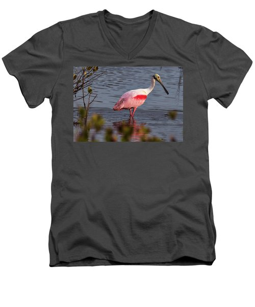 Spoonbill Fishing Men's V-Neck T-Shirt