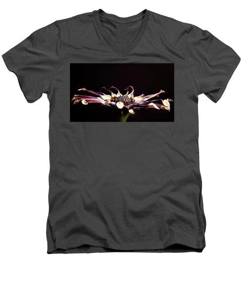 Spider White Men's V-Neck T-Shirt