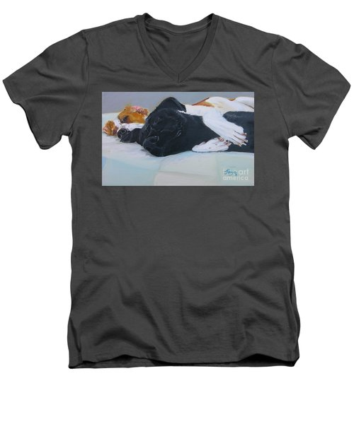 Spooning  Men's V-Neck T-Shirt