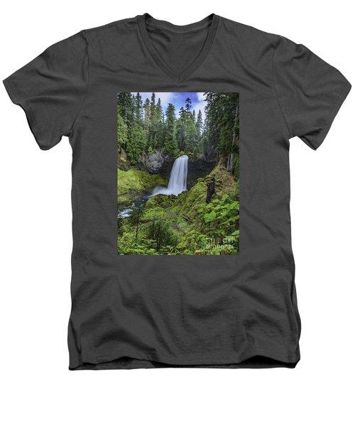 Sahalie Falls,oregon Men's V-Neck T-Shirt
