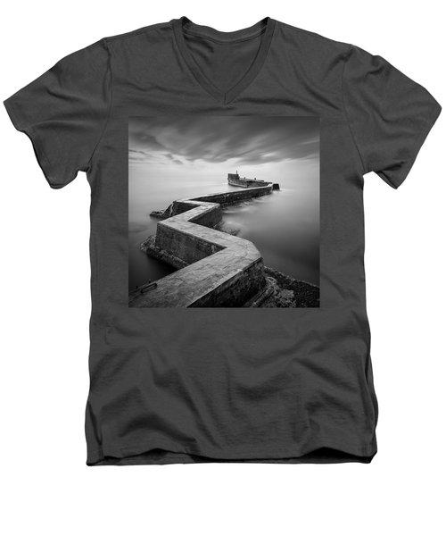 St Monans Breakwater Men's V-Neck T-Shirt