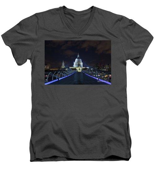 St Paul's Cathedral And The Millennium Bridge Men's V-Neck T-Shirt
