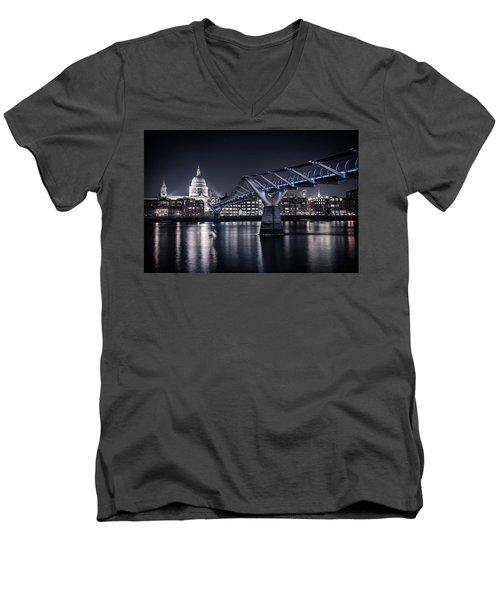St Pauls Cathedral Men's V-Neck T-Shirt