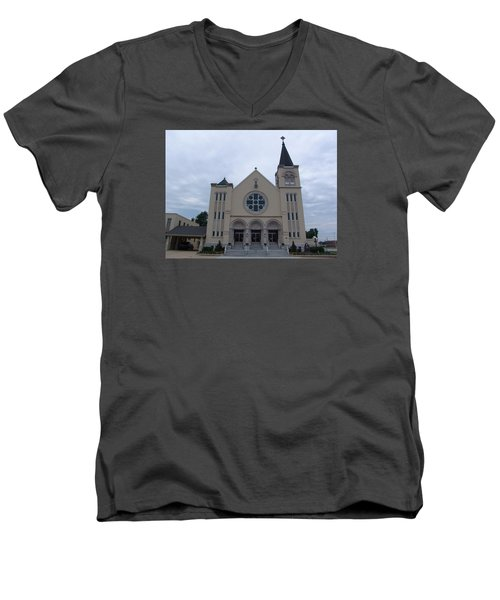 St Pius X Catholic Church Men's V-Neck T-Shirt