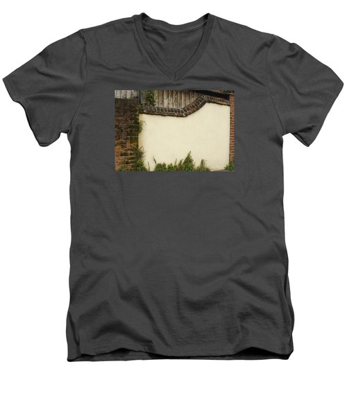 Men's V-Neck T-Shirt featuring the photograph Stage-ready by Wanda Krack