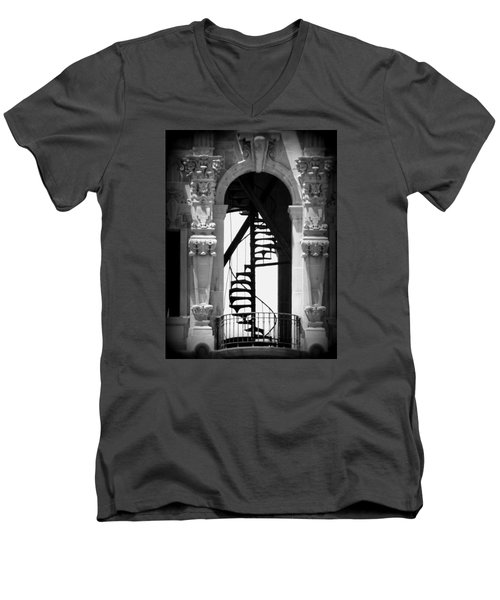 Stairway To Heaven Bw Men's V-Neck T-Shirt