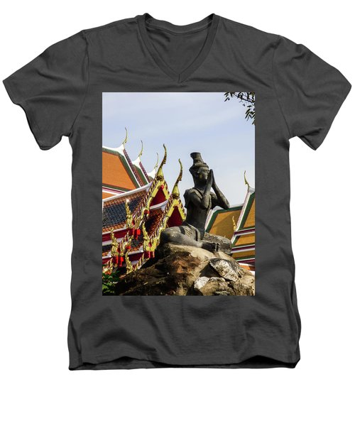 Statue At Famous Wat Pho Temple Men's V-Neck T-Shirt