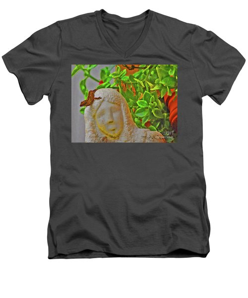 Statue Lizard  Men's V-Neck T-Shirt