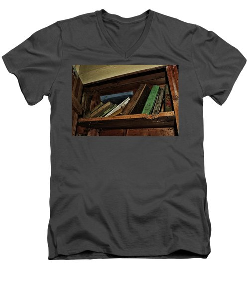 Men's V-Neck T-Shirt featuring the photograph Stay A While And Listen by Ryan Crouse